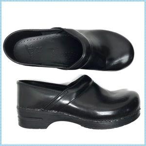 DANSKO Men's Black Leather Nursing Clogs 45 Wide